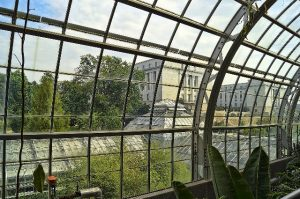 Should you opt for a traditional or steel base system for your DIY conservatory?